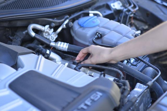車の査定の重要なチェックポイント(エンジン編)