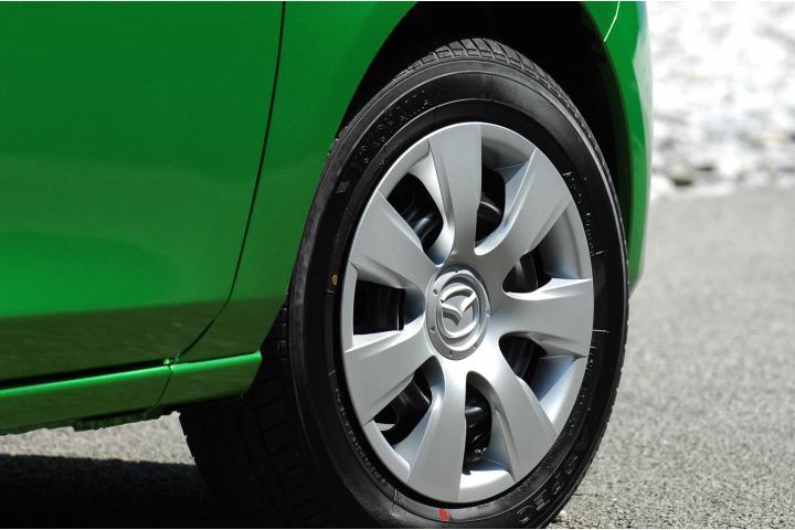 車のホイールキャップの傷や凹みは買取査定でマイナス評価になる