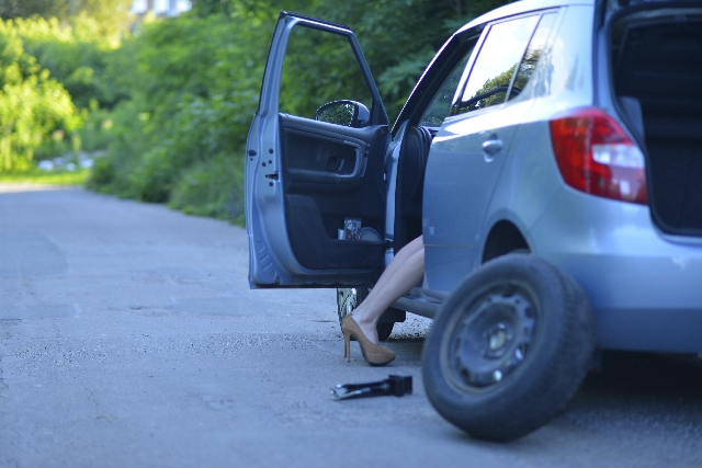 (困った)タイヤがパンクした時の対処方法